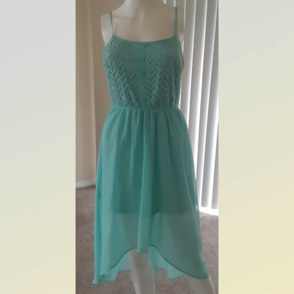 unbranded Dresses & Skirts - Green dress SIZE M  Immaculate Condition